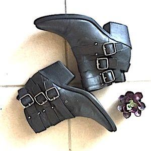 FOREVER 21 Biker/Rocker Chic Buckle Boots